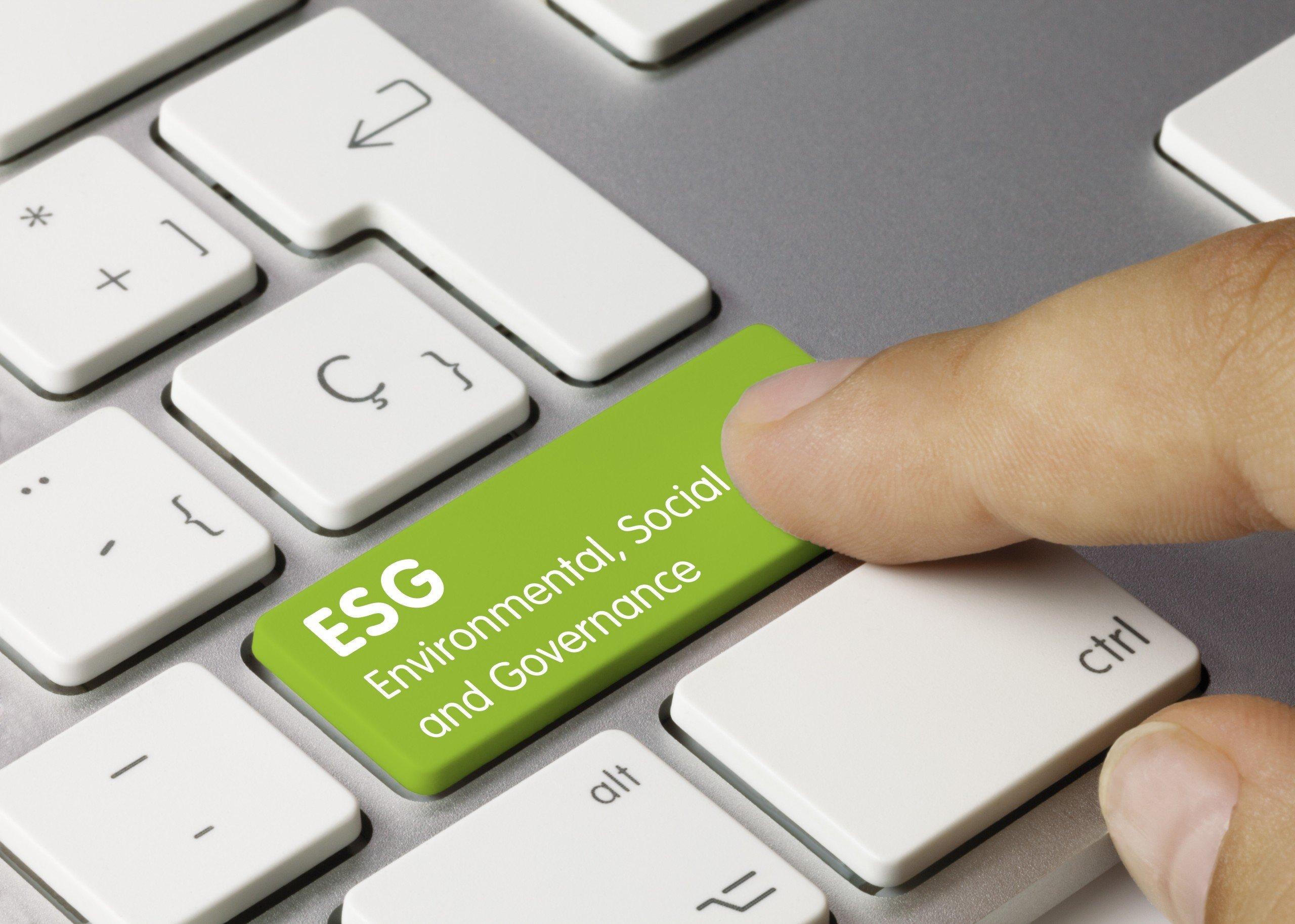 green ESG button on keyboard