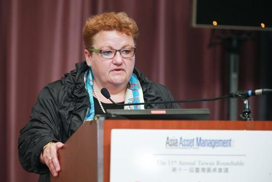 Brigitte Miksa, Allianz Asset Management